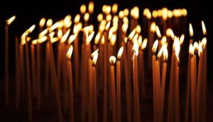 Burning-candles-in-the-dark-