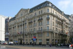 Warszawa,_Hotel_Polonia_Palace_-_fotopolska.eu_(106213)