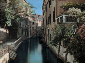 canal-venice-hildenbrand_69844_990x742