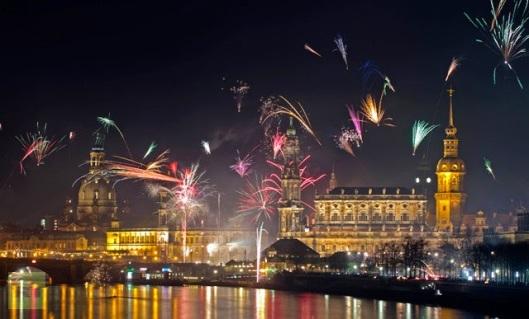 fireworks-erupt-elbe-river.jpg