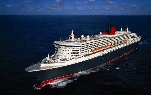 QM2-lead-shot-at-sea.jpg