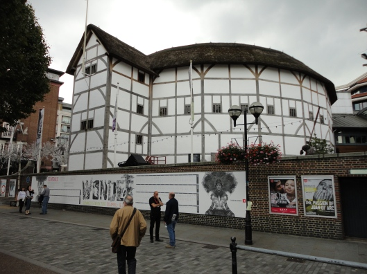 elizabethan theatre essay Links to full text of critical essays about shakespeare's works dating back to the   of early modern theatre providing research resources for tudor, elizabethan,.