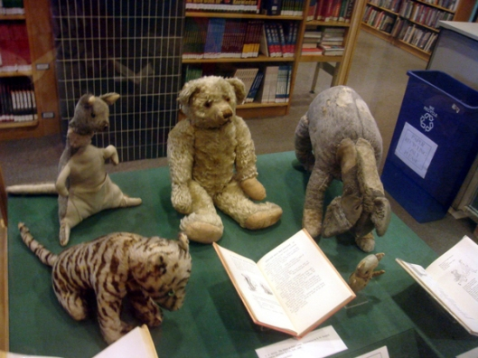 The_original_Winnie_the_Pooh_toys2