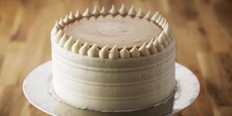 Classic_Vanilla_Birthday_Cake_with_Caramel_Pastry_Cream_001.jpg