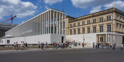1280px-Berlin_James-Simon-Galerie_asv2019-07_img2.jpg