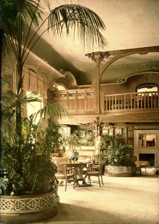 Andrey_Zeest_-_Alexander_Palace,_Maple_Drawing_Room_(autochrome)-1.jpg
