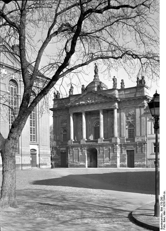Bundesarchiv_Bild_170-290,_Potsdam,_Langer_Stall.jpg